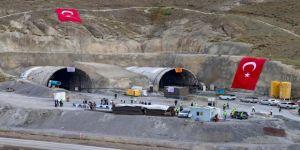 Bakan Karaismailoğlu: Kışın zor şartlarında sürekli kapanan yollar artık tüneller sayesinde kapanmayacak
