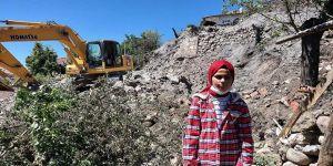 Dört evin yandığı olayda anneannesinin kurtulmasına görme engelli Esma vesile oldu