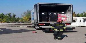 : Çayırova'da gıda yüklü kamyonda yangın çıktı