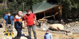 Ulaştırma ve Altyapı Bakanı Adil Karaismailoğlu, Giresun'daki sel bölgesinde