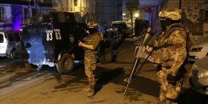 İstanbul'da terör örgütü DHKP/C'ye yönelik operasyonda 30 şüpheli yakalandı