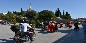 """Gebze'de motosikletliler """"30 Ağustos Zafer"""" turu attı"""