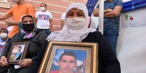 HDP önündeki eylemin 1. yılında bir aile daha evlat nöbetine başladı