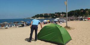 Plajlarda kurulan çadırlar kaldırılıyor