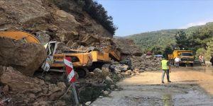 Bursa'da yol çalışması yapılan alandaki göçükte 1 kişi öldü