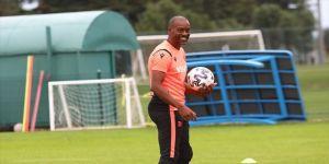 Trabzonspor Teknik Direktörü Newton: Şehrin kupalara ne kadar açlık duyduğunun farkındayım