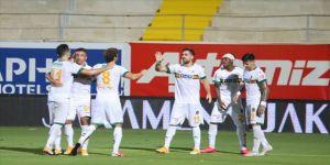 Alanyaspor, Kayserispor'u Bareiro'nun golleriyle geçti