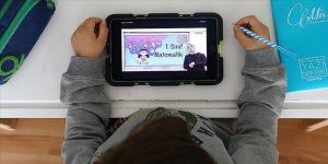 İHH, yetim çocuklara tablet hediye edecek