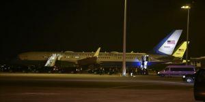 Pence'in uçağı kuş sürüsüne çarpınca New Hampshire'deki havalimanına zorunlu dönüş yaptı