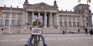 Almanya'da son 24 saatte 2 bin 143 Kovid-19 vakası tespit edildi