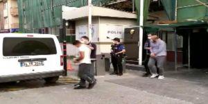 Gebzede Otomobilin  lastiğini çalan iki şüpheli tutuklandı