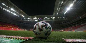 Galatasaray'ın da aralarında bulunduğu 34 takım, play-off turuna yükseldi.
