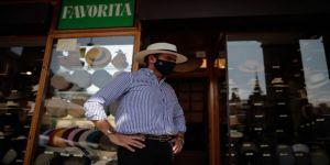 Madrid'in ünlü Mayor Meydanı'nın tarihi dükkanları Kovid-19 salgınında ayakta durmaya çalışıyor
