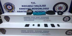 Kocaeli'de kendilerine polis ve savcı olarak tanıtan 2 kişi yakalandı