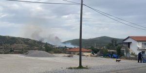 Muğla'da yerleşim yerlerini tehdit eden orman yangını kontrol altına alınmaya çalışılıyor