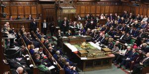 İngiltere'de Avam Kamarası AB'nin karşı çıktığı tasarıyı kabul etti