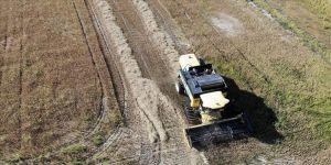 Çakıllı tarlada 160 ton çeltik yetiştirdi