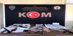 Dilovası'nda düzenlenen tefecilik operasyonunda gözaltına alınan 8 kişi tutuklandı.