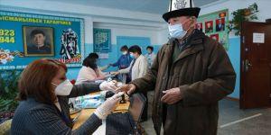 Kırgızistan milletvekili seçimleri için sandık başında