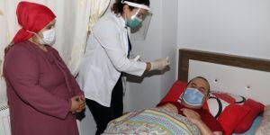 Hasta ve refakatçilerinin yüzünü güldüren eğitim