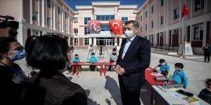 Milli Eğitim Bakanı Selçuk: İzmir'de okullarımızla ilgili endişe edilecek durum yok