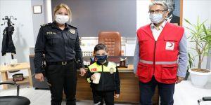 Aydın'da 5 yaşındaki çocuk kumbarasındaki parayı Ayda için bağışladı