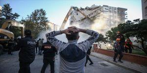 İzmir Valisi Köşger: Depremden etkilenenlere 2 milyon 810 bin lira ödeme yapıldı