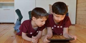 'Kısıtlama ve yeni normal' arasında teknoloji-çocuk-ebeveyn ilişkileri de dönüştü
