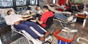 Kartepe Belediyesi'nden İzmire kan kardeşliği