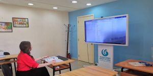 Yunus Emre Enstitüsü'nün pandemi sürecinde Lübnan'da başlattığı çevrim içi Türkçe kurslarına yoğun ilgi