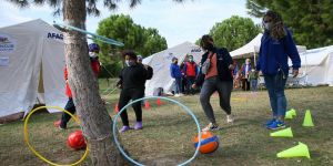 Depremzede çocuklar yaşadıklarını spor ve sanatla unutuyor