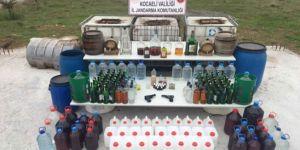 Kocaeli'nin Gebze ilçesinde binlerce litre kaçak içki ele geçirildi