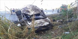 Van'da sığınmacıları taşıyan minibüs devrildi: 2 ölü, 22 yaralı