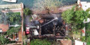 İstanbul İtfaiyesi: Vaniköy Camisi yangını elektrik tesisatından çıktı