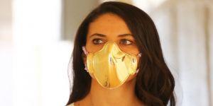 Altın ve gümüşten yapılan maskeler satışa sunuldu