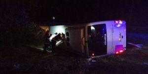 Mersin'de polisleri taşıyan midibüs devrildi: 1 şehit, 4 yaralı