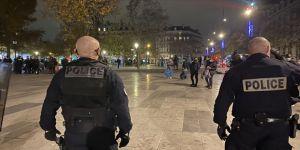 Fransa'da şiddetin faili polisler ırkçı hakarette bulunmadıklarını öne sürdü