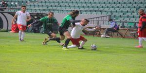Kocaelispor sahasında Kahramanmaraşspor'u mağlup etti