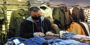 Gebze'de virüs ve kriz esnafı vurdu, kışlıklar tezgahlarda kaldı