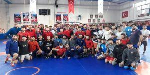 Azerbaycan Serbest Güreş Milli Takımı Ankara'da