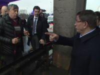 Başbakan Davutoğlu Trafik Kazası Yaralılarının Kurtarma Çalışmalarına Katıldı