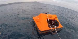 Çanakkale açıklarında 16 sığınmacı kurtarıldı