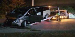 Kocaeli'de otomobil ile minibüs çarpıştı: 6 yaralı