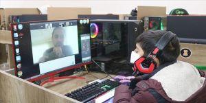 İnternet kafeler öğrenciler için EBA destek merkezine dönüştürüldü