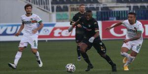 Yukatel Denizlispor sahasında lider Aytemiz Alanyaspor'u tek golle geçti