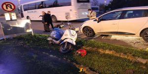 Servis minibüsü elektrikli bisikletle çarpıştı