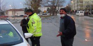 Alkollü ve ehliyetsiz işçi taşıyan sürücü kaza yapınca yakalandı