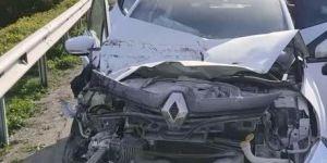 Gebze,İstanbul istikameti Şekerpınar Mahallesi'nde zincirleme trafik kazası meydana geldi