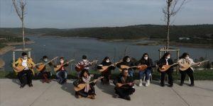 Çocuk müzisyenler İstanbul'un azalan suyuna türküyle dikkati çekti