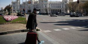 İspanya'da Noel döneminde gevşetilen önlemler Kovid-19 vakalarını artırdı